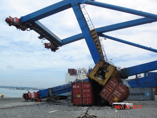 Gantry Crane collapse 1